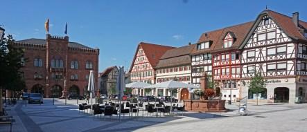 Plaza del Mercado (Marktplatz) y Ayuntamiento (Rathaus)