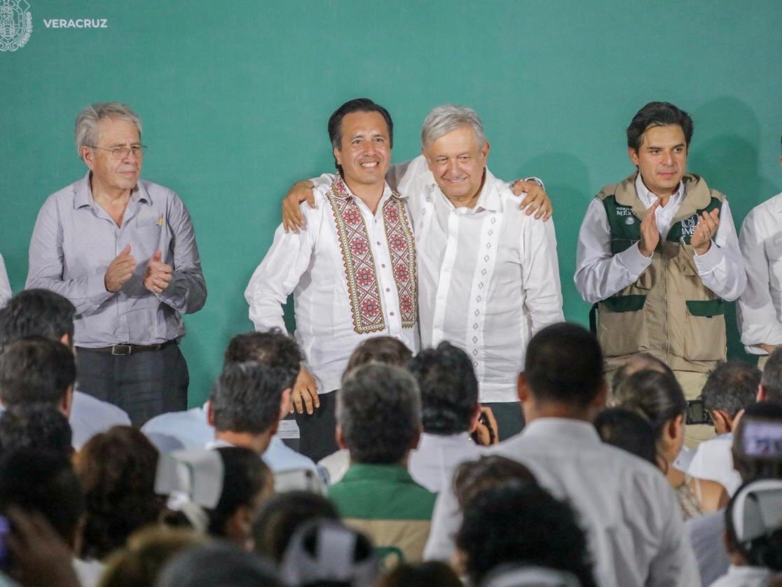 """""""No ha sabido gobernar, pero es leal"""", dijo AMLO. Por Alejandro Aguirre"""