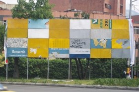 Vallas al margen de vías en Medellín