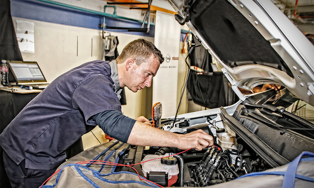 Advice How To Become An Automotive Technician Car Magazine