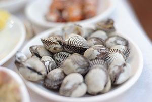 cockles as snacks