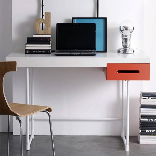 des id es pour am nager un bureau dans un petit espace. Black Bedroom Furniture Sets. Home Design Ideas