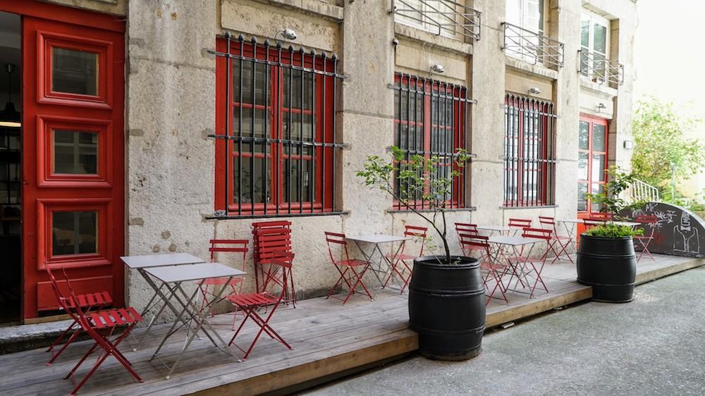 la terrasse du café des trois à lyon