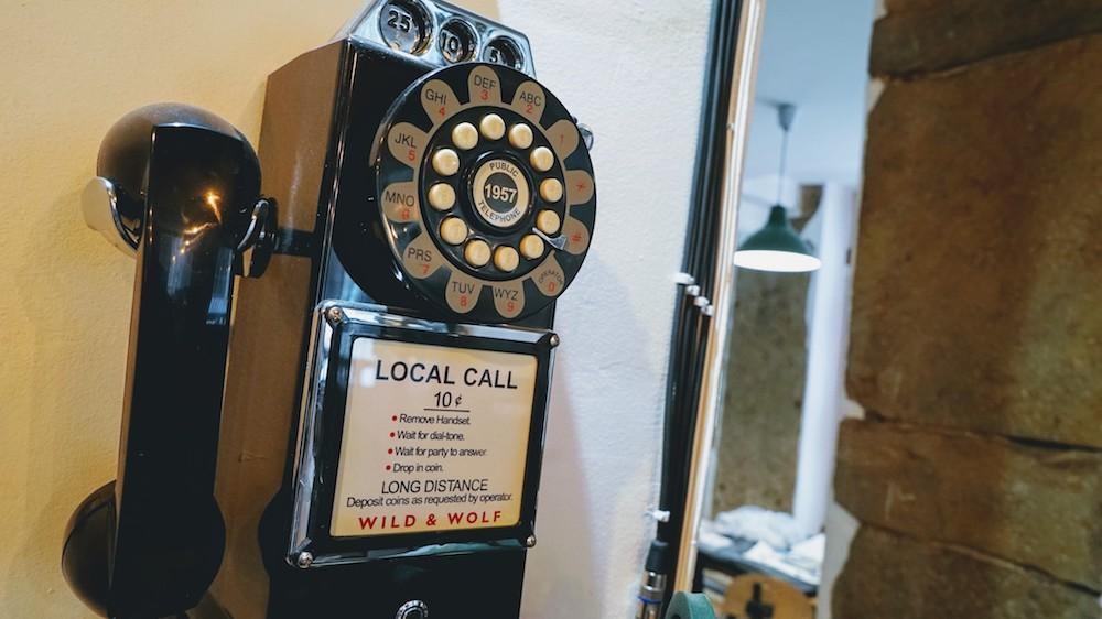 telephone ancien café des trois