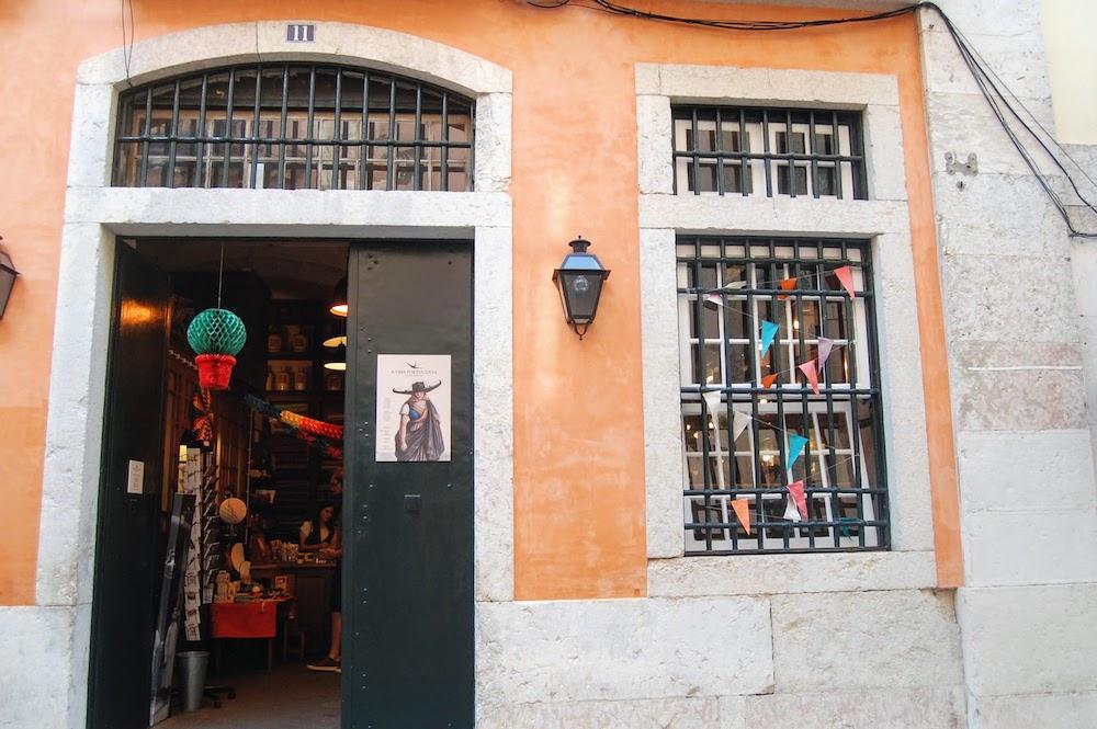 magasin de souvenirs à lisbonne a vida portuguesa