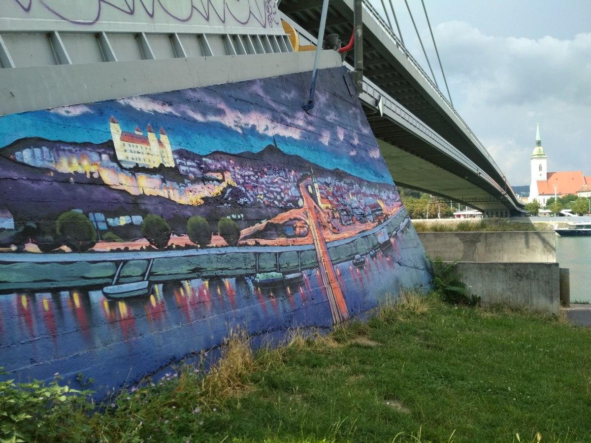 pont taggé bonnes adresses slovaquie