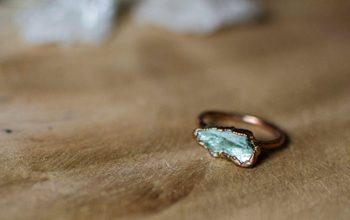 tilae bijoux pierres brutes