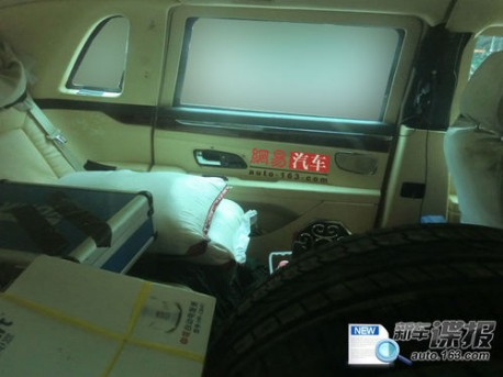 hongqi-hqe-redflag-china-car-8