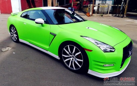 lime-green Nissan GTR