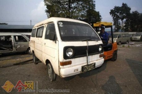 the first Wuling minivan from China