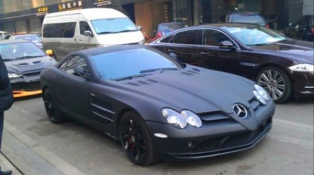 Mercedes-Benz SLR McLaren in matte-black