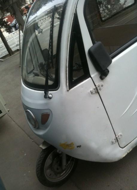 Huaxin QF-002 three wheeler
