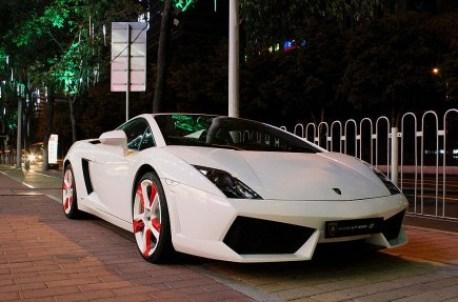Lamborghini Gallardo with Strange Wheels from China