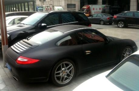 Porsche 911 in matte-black