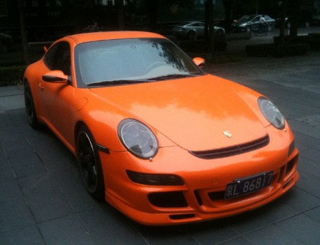 Porsche 911 GT3 is Orange in China