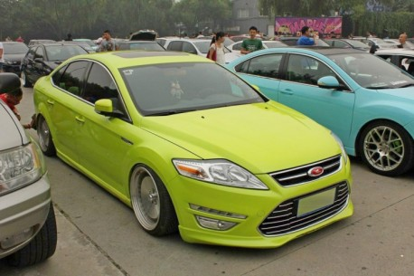 Ford Mondeo is a Low Rider in China