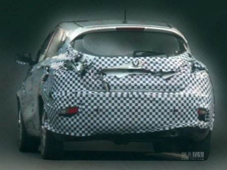 Spy Shots: Chang'an Eado hatchback testing in China