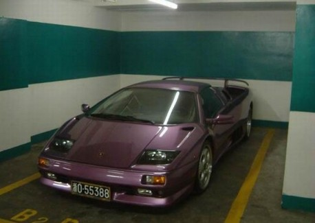 Spotted in China: Lamborghini Diablo VT