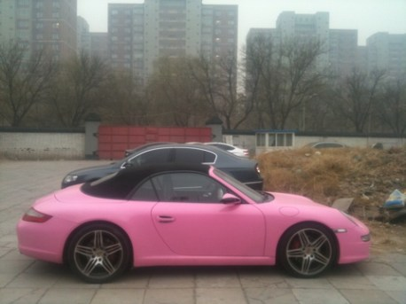 Porsche 911 is Pink in China