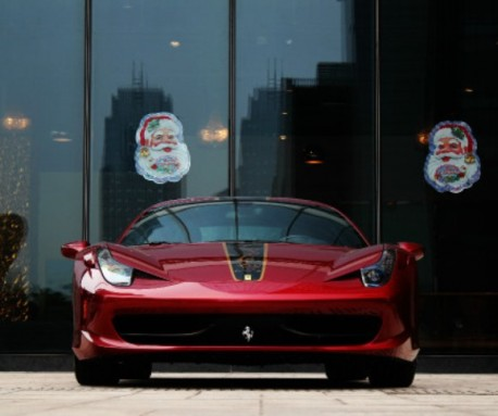Santa Claus smiles on the Ferrari 458 Italia China Limited Edition