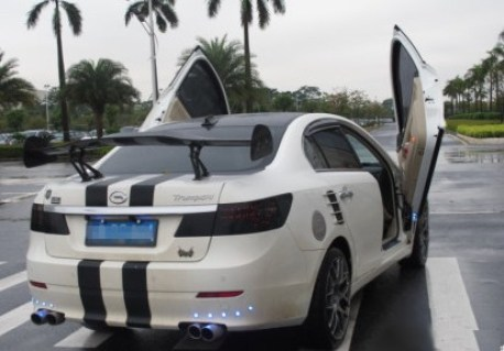 Guangzhou Auto Trumpchi with Lambo-doors from China
