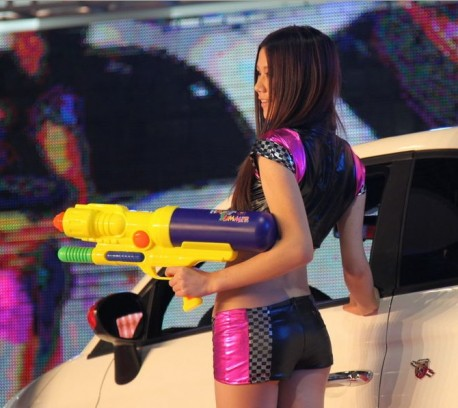 china-girl-super-soaker-6