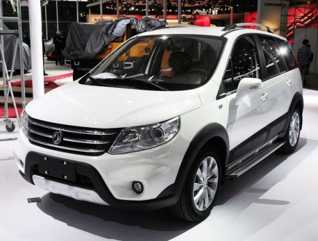 New Dongfeng-Fengxing Jingyi MPV arrives at the Shanghai Auto Show