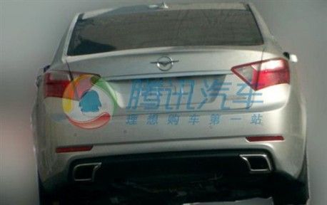 Spy Shots: Haima M8 seen testing in China