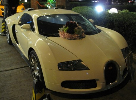 Bugatti Veyron is a Wedding Car in China