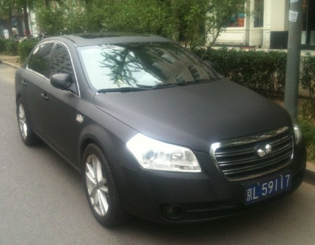 FAW-Besturn B70 is carbon-fiber matte black in China