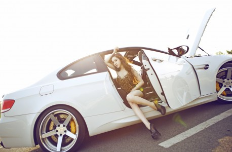 china-redhead-bmw-girl-7