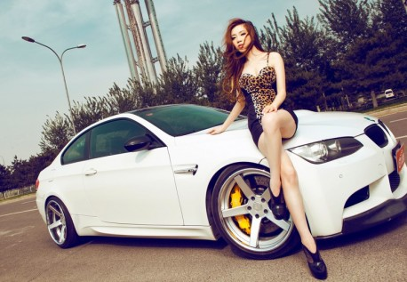 china-redhead-bmw-girl-9a