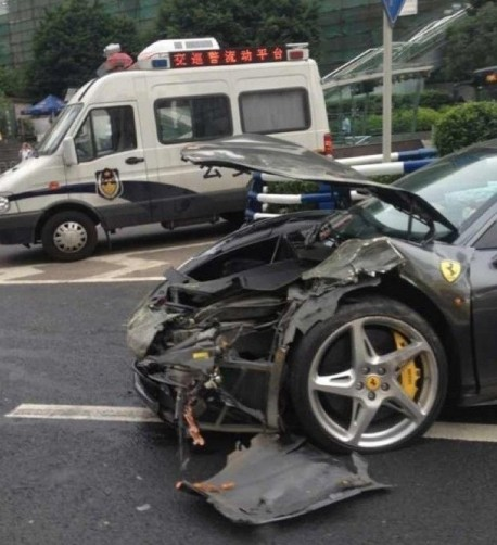 ferrari-crash-china-03-3