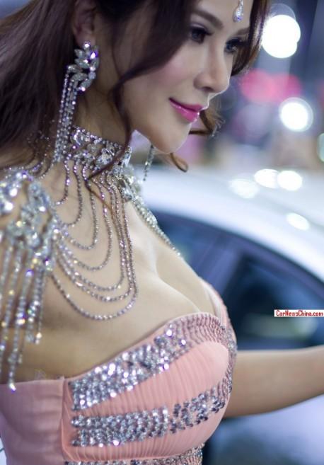 luxury-car-girls-china-2