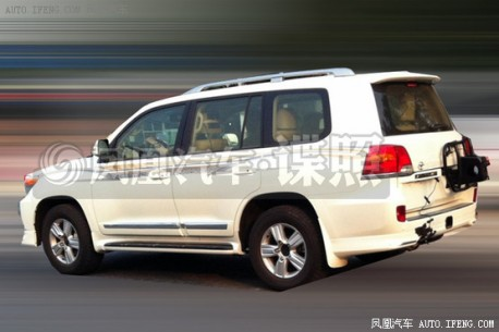 toyota-landcruiser-china-2