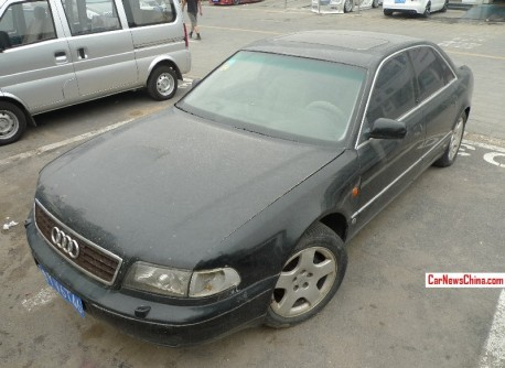 Spotted in China: first generation Audi S8 is Black in Beijing