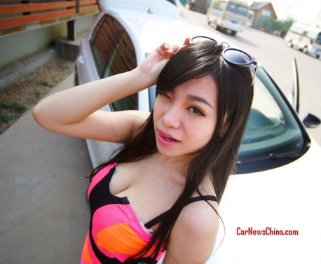 china-sexy-girl-volkswagen-golf-2