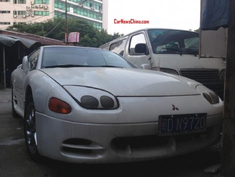 Spotted in China: Mitsubishi 3000GT in white