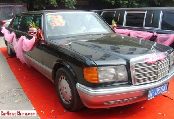 Stretched W126 Mercedes-Benz 500 SEL is a wedding car in China