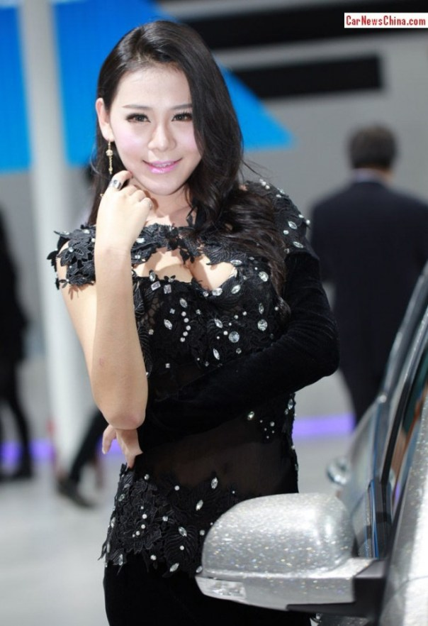 china-car-girls-9