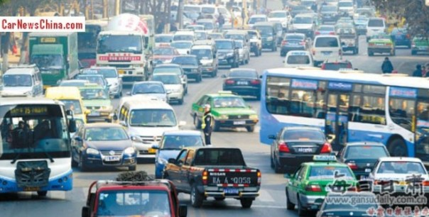Chinese city of Lanzhou bans 50% of all vehicles off the streets to battle air pollution
