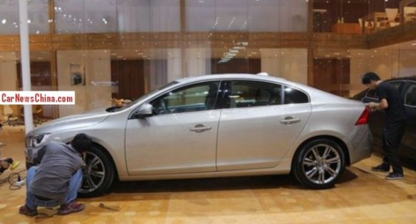 Volvo S60L arrives at the Guangzhou Auto Show