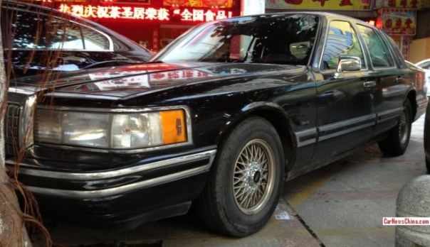 lincoln-town-car-china-9-2