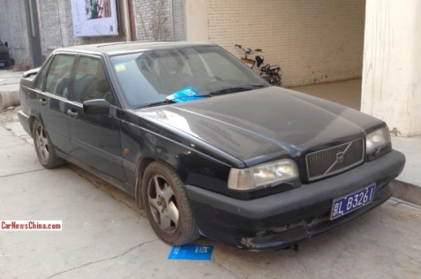 Spotted in China: Volvo 850 Turbo