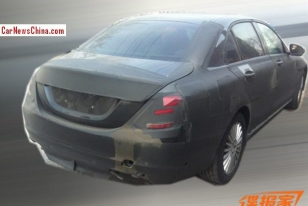 Spy Shot: stretched Mercedes-Benz C-Class testing in China