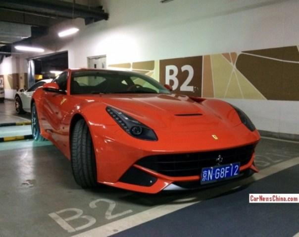 Ferrari F12berlinetta parks lika a Professional A*hole in Beijing