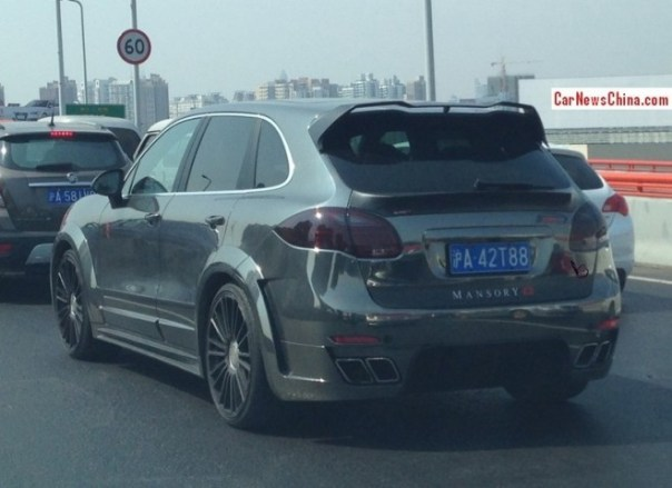 Spotted in China: Mansory Porsche Cayenne