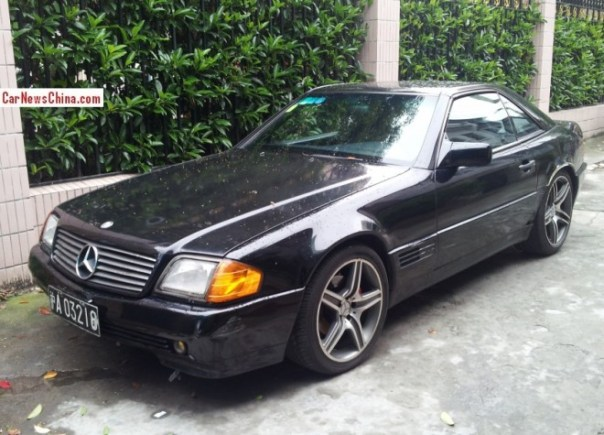 Spotted in China: R129 Mercedes-Benz SL500