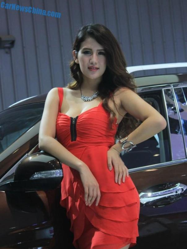 china-car-girls-chengdu-5-guangzhou