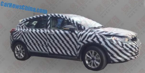 Spy Shots: Geely Emgrand Cross testing in China